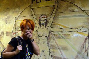 femen_office_kiev_anna_hutsol_08_27_2013