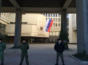 Cour du Soviet Suprême (Parlement régional de Crimée) à Simféropol, le 15.03.2014