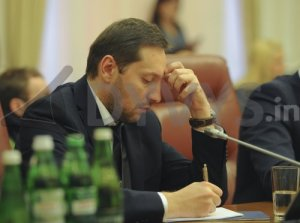 Iouriy Stets, député (BPP), en charge du ministre de l'information.