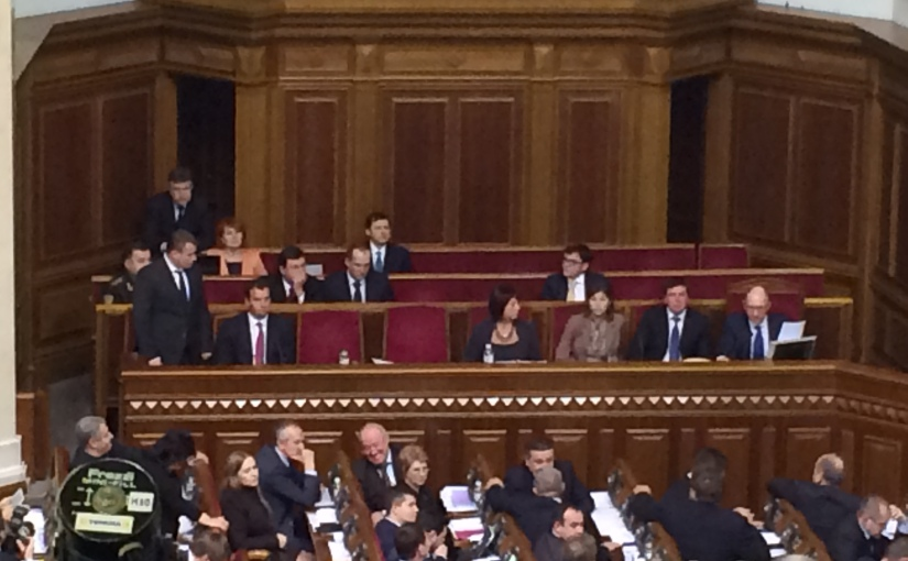 Libération: Un gouvernement qui enfonce le clou contreMoscou