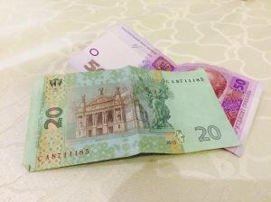La hryvnia a perdu plus de trois fois sa valeur face à l'euro en un an.