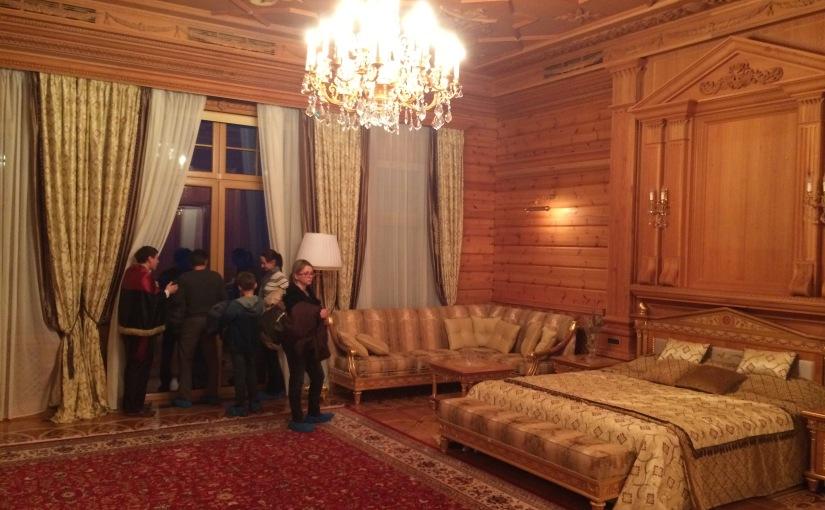 La Tribune de Genève: «Ianoukovich est parti, la corruption reste»