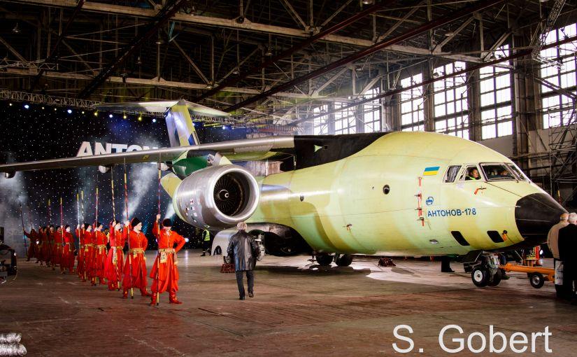 Le Journal de l'Aviation: L'An-178, petit dernier du constructeur Antonov, fait sonroll-out