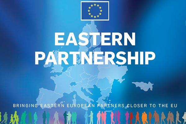 La Tribune de Genève: L'UE aide l'Ukraine malgré «desdéceptions»