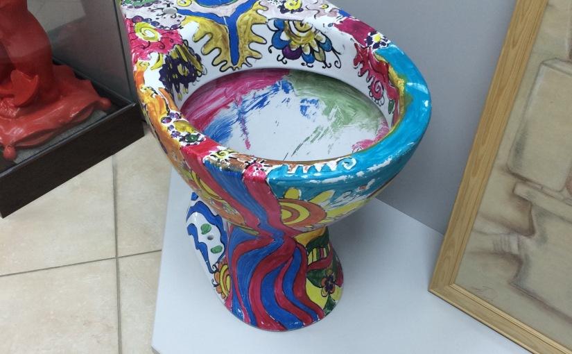 RFI: Une visite au Musée de l'Histoire des Toilettes àKiev