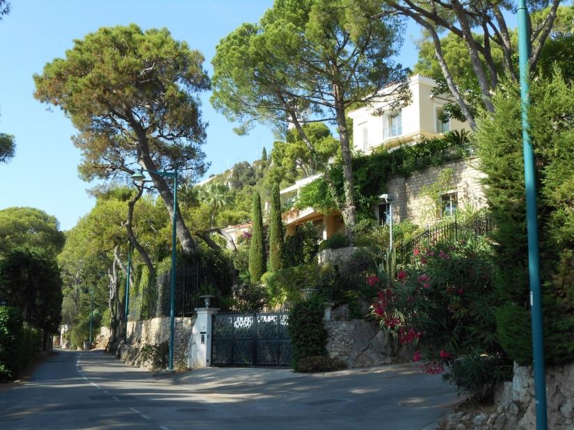 L'Obs: Côte d'Azur : les villas mal acquises des oligarquesukrainiens