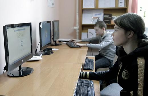 Les-migrations-a-l-ere-du-numerique-les-villages-Skype-d-Ukraine-par-Sebastien-Gobert