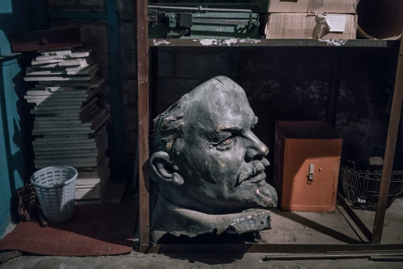 The Odessa Review: Lenin's Tumble: The Iconoclasm Of Ukraine's Decommunization