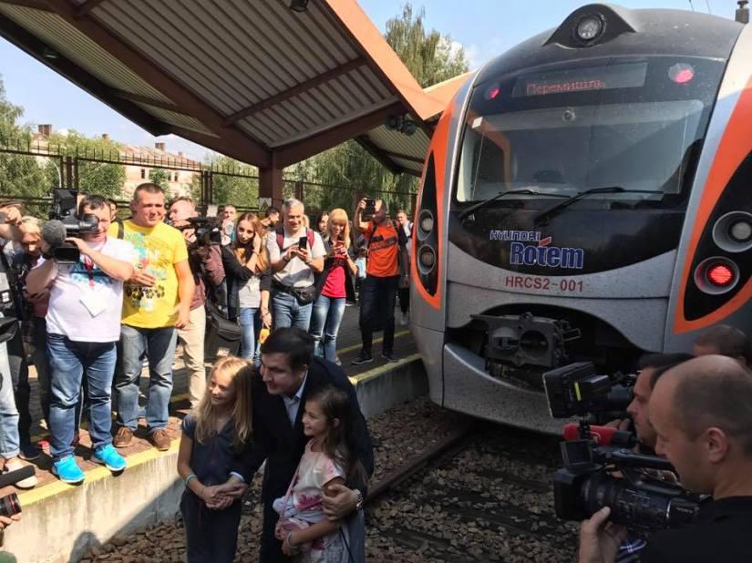 RFI: Saakachvili bloqué dans un train à la frontière polono-ukrainienne